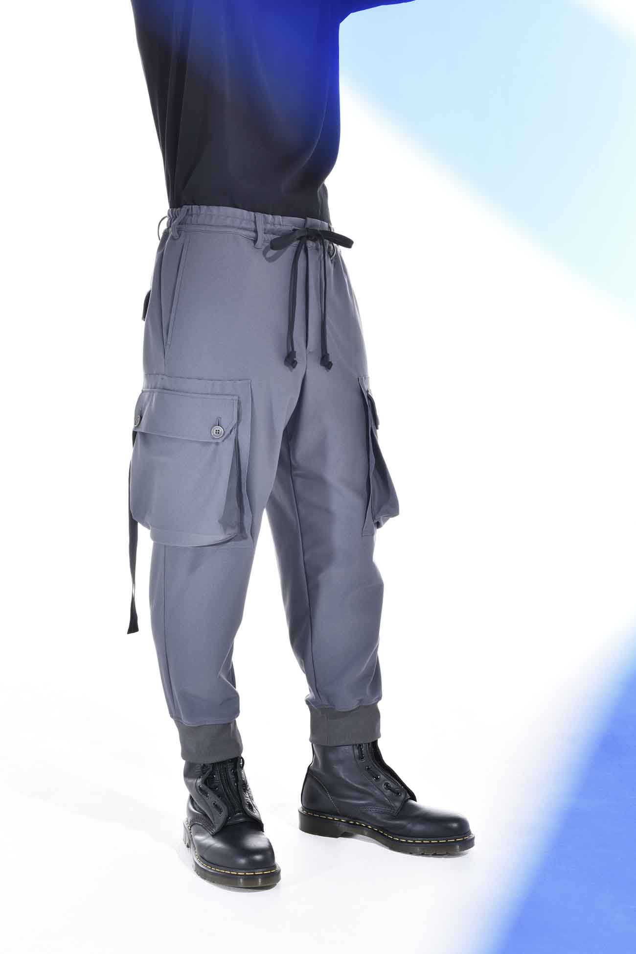 """下垂""""胶带""""工装裤"""