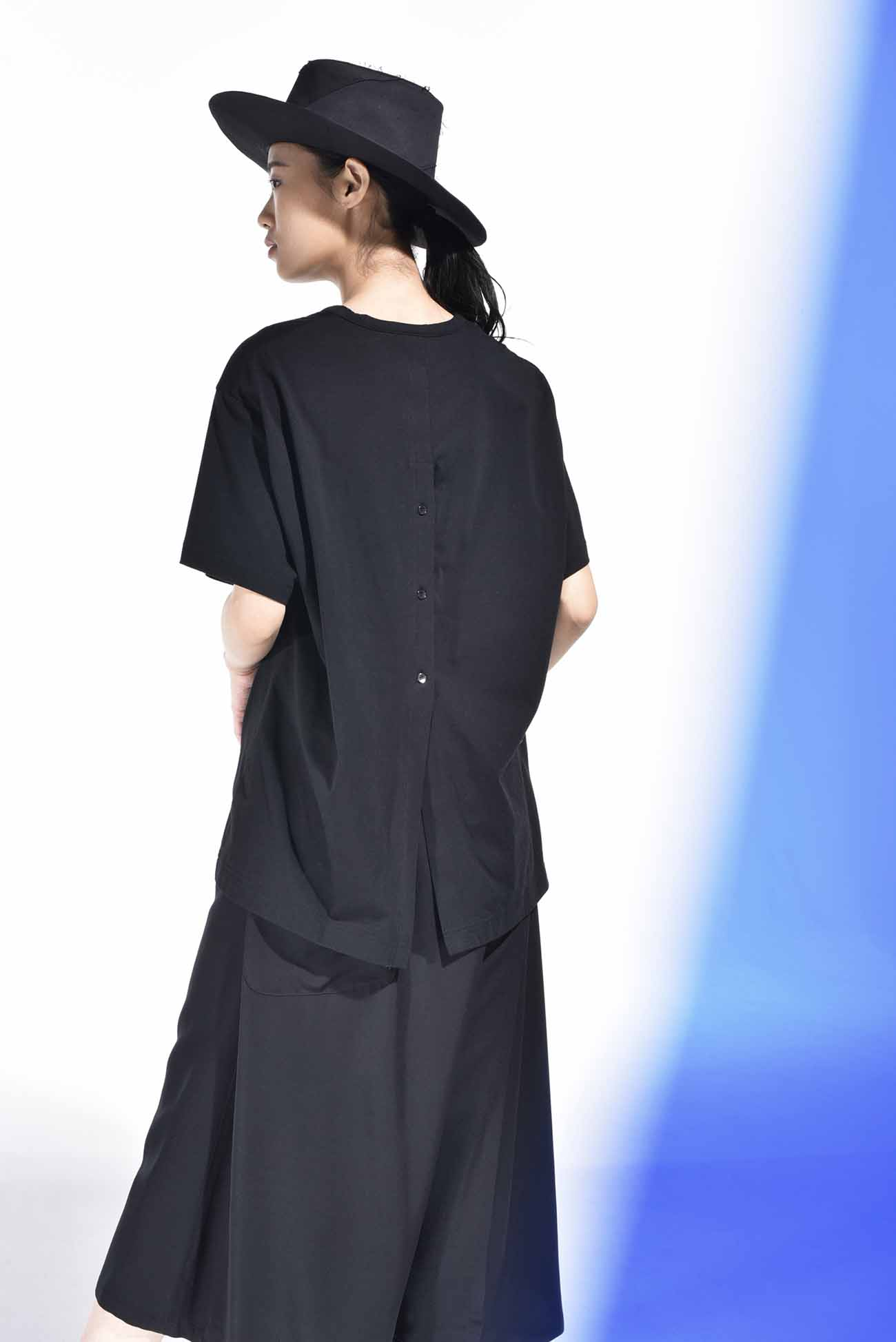 30/cotton Jersey? Back slit Short Sleeves Cut Sew