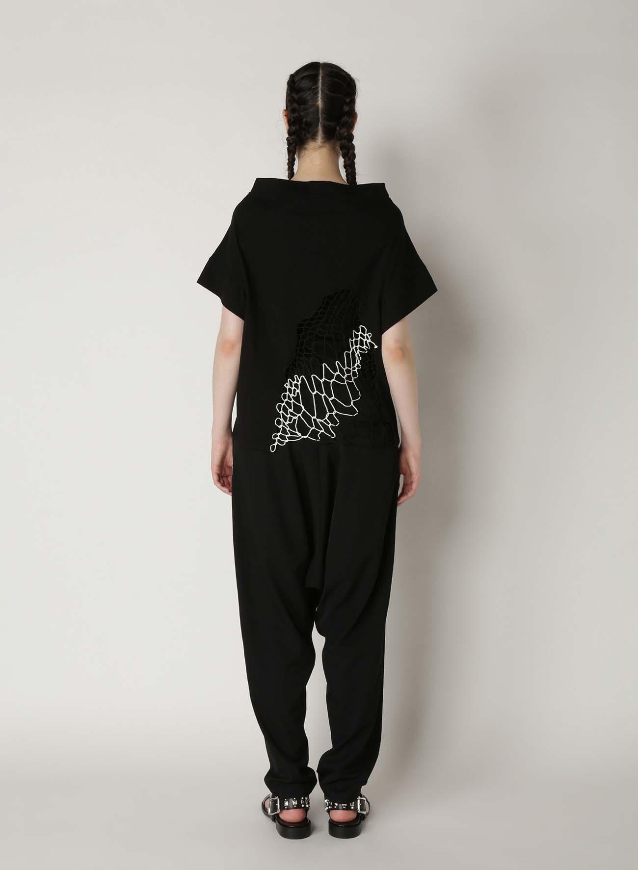 Random Net Embroidery V-Neck T