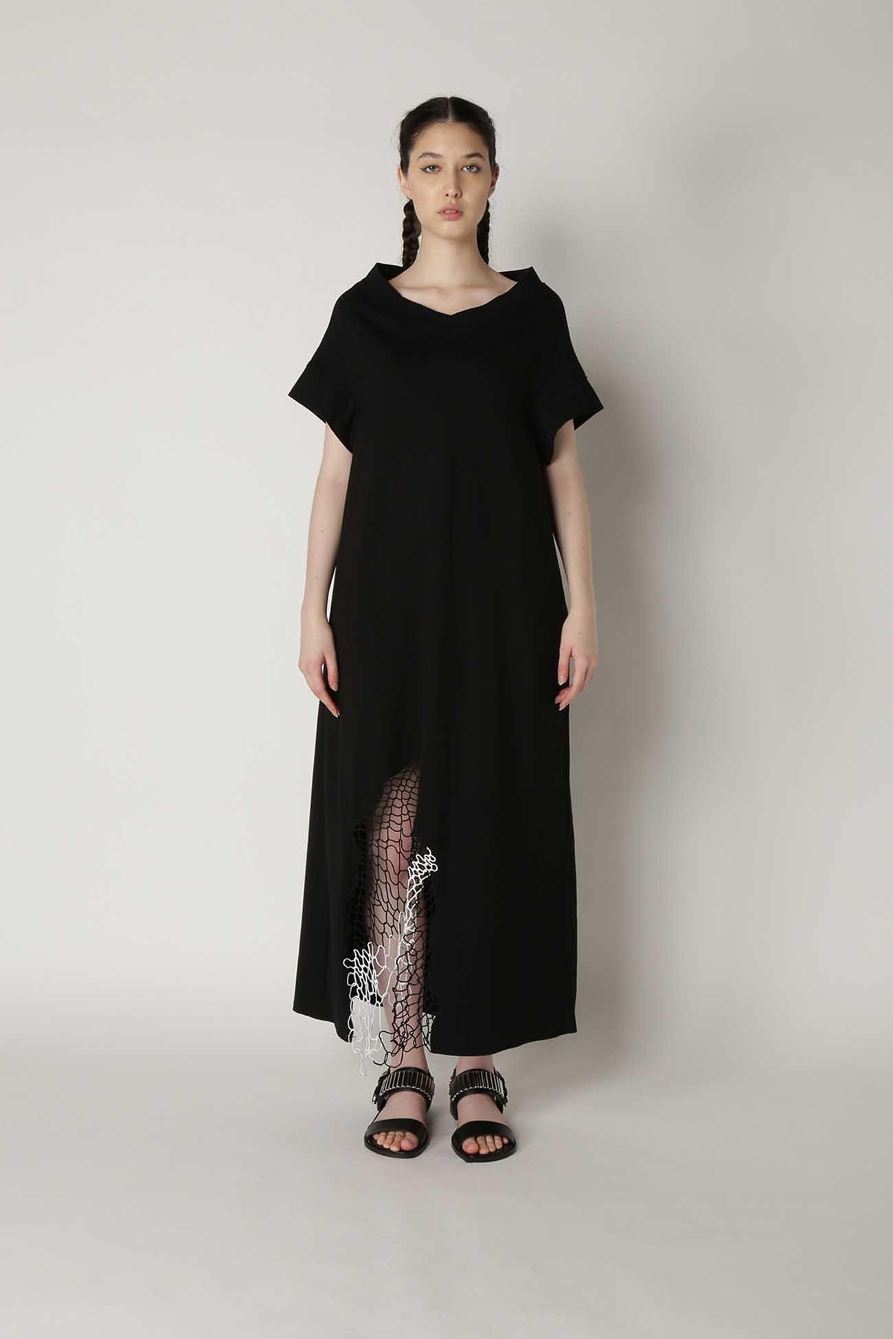 Random Net Embroidery V-Neck Dress