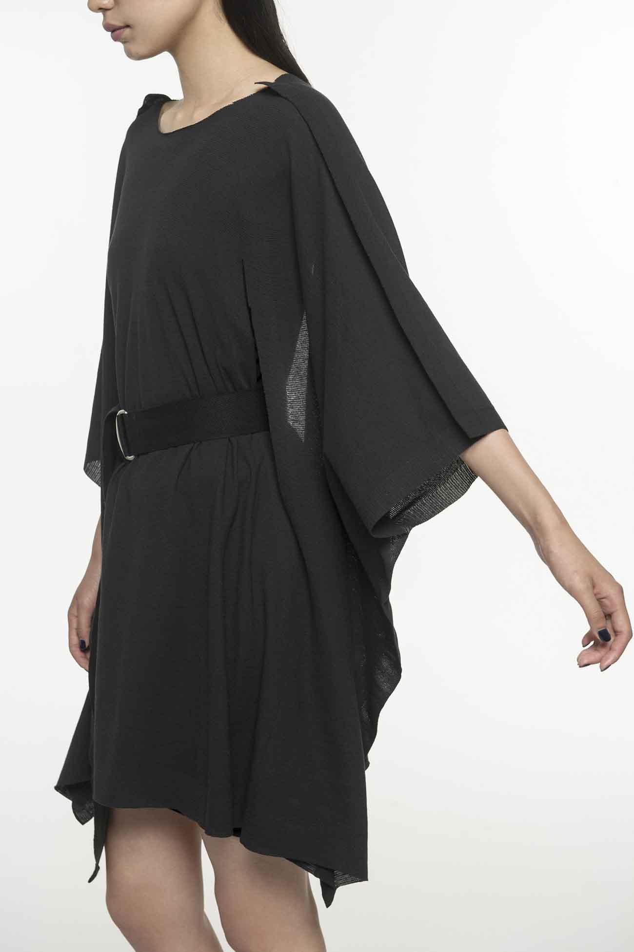 腰带长袖飘逸连衣裙