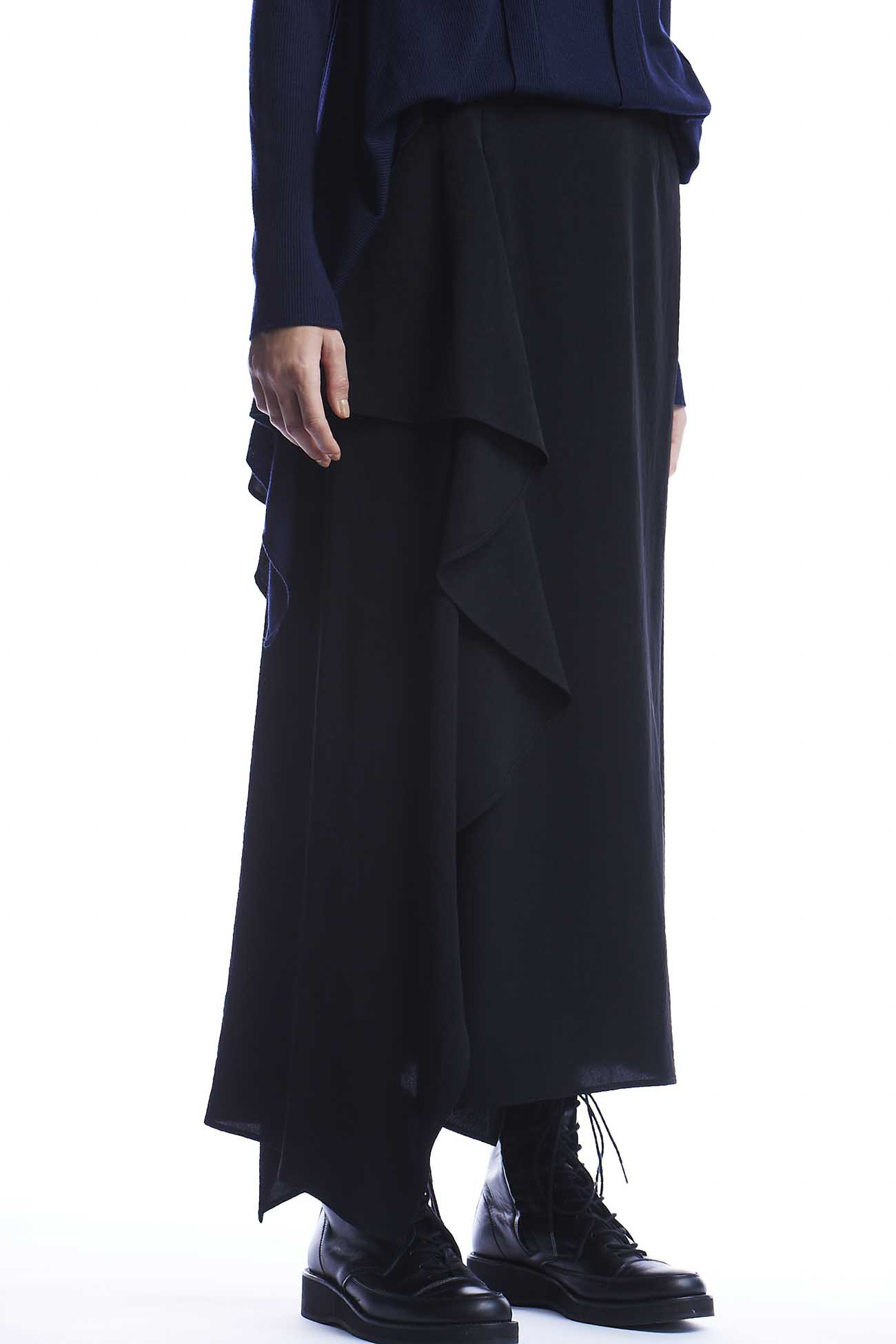 トリアセデシン 右フリルスカート