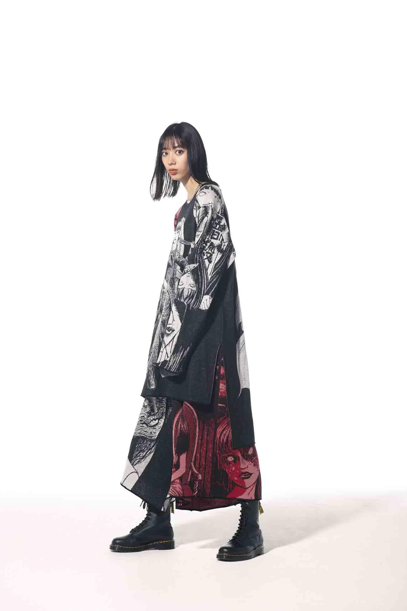 「Tomie」Junji Ito Hameauze Jacquard Crew Raglan Sleeve Long Knit