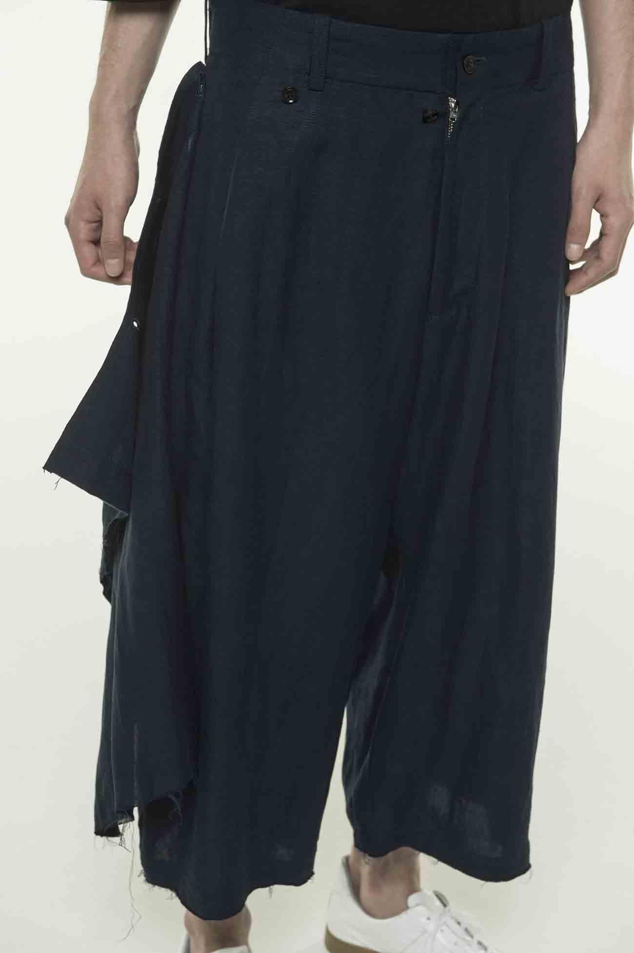 褶皱变形六分宽裤