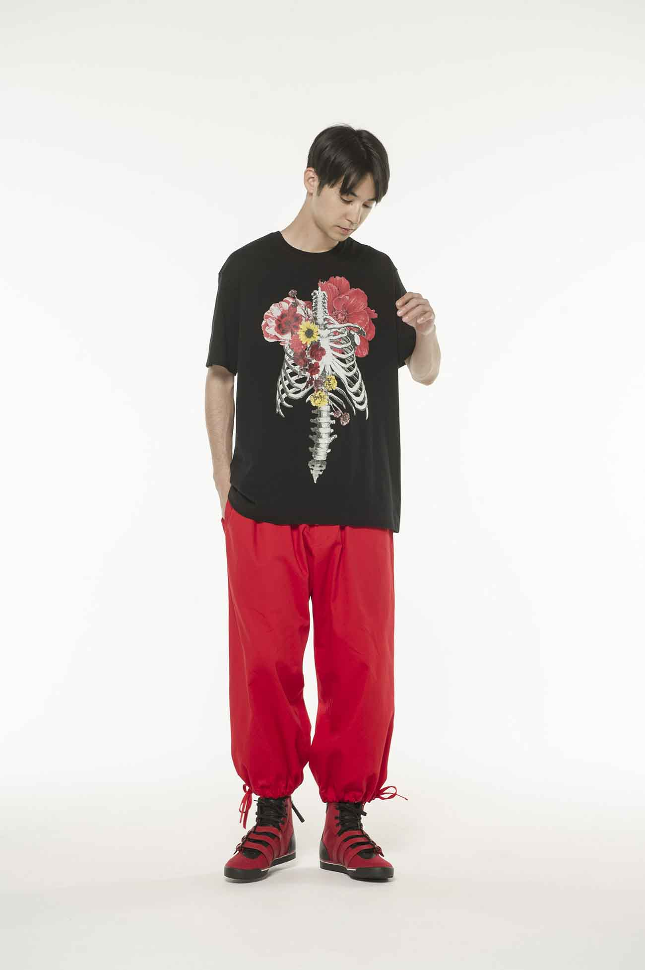 Bones and Flowers T恤