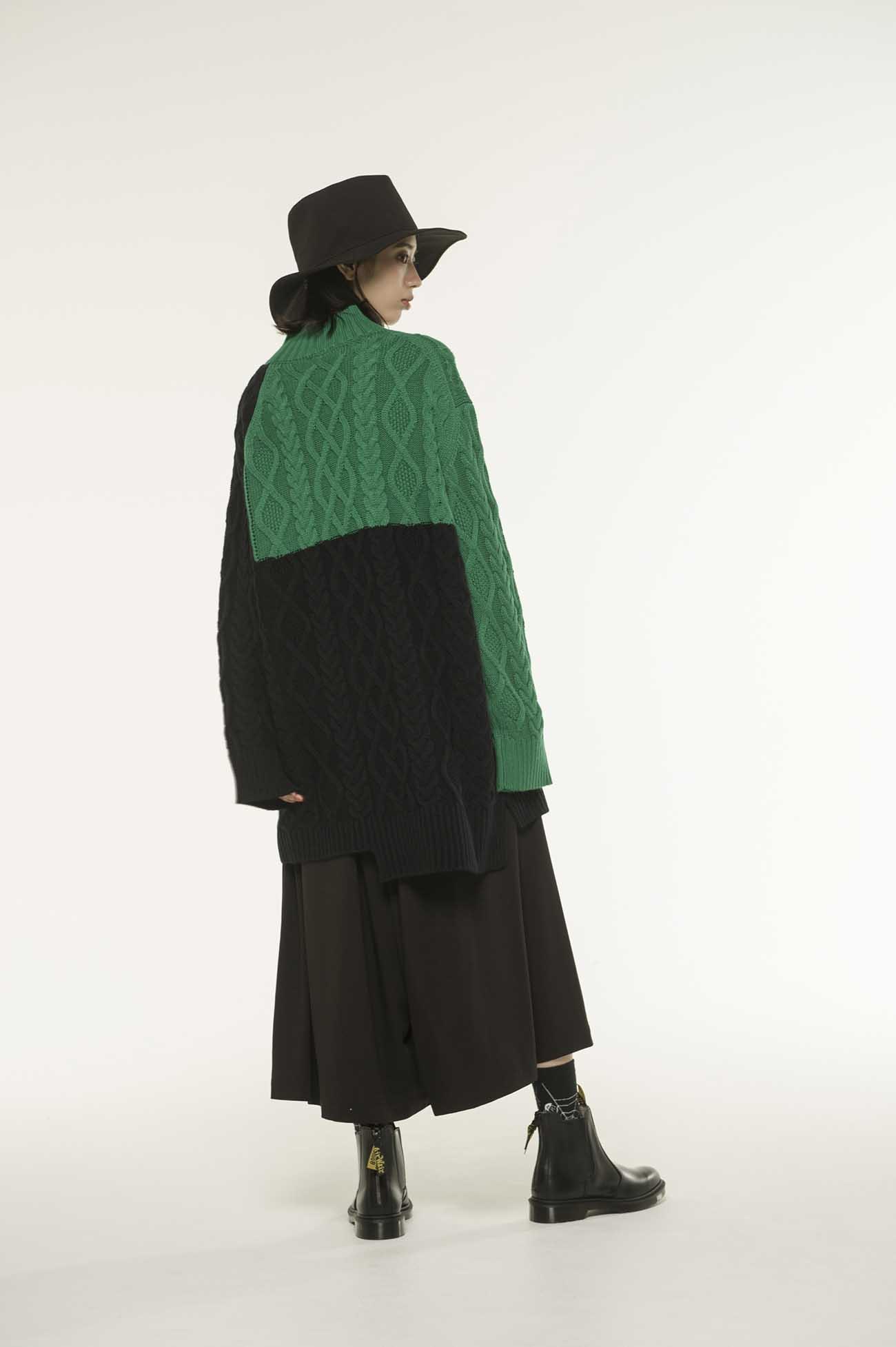 羊毛混纺撞色宽松毛衣