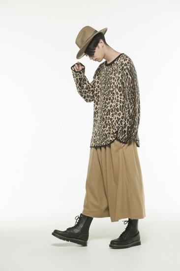 豹纹提花圆领针织衫