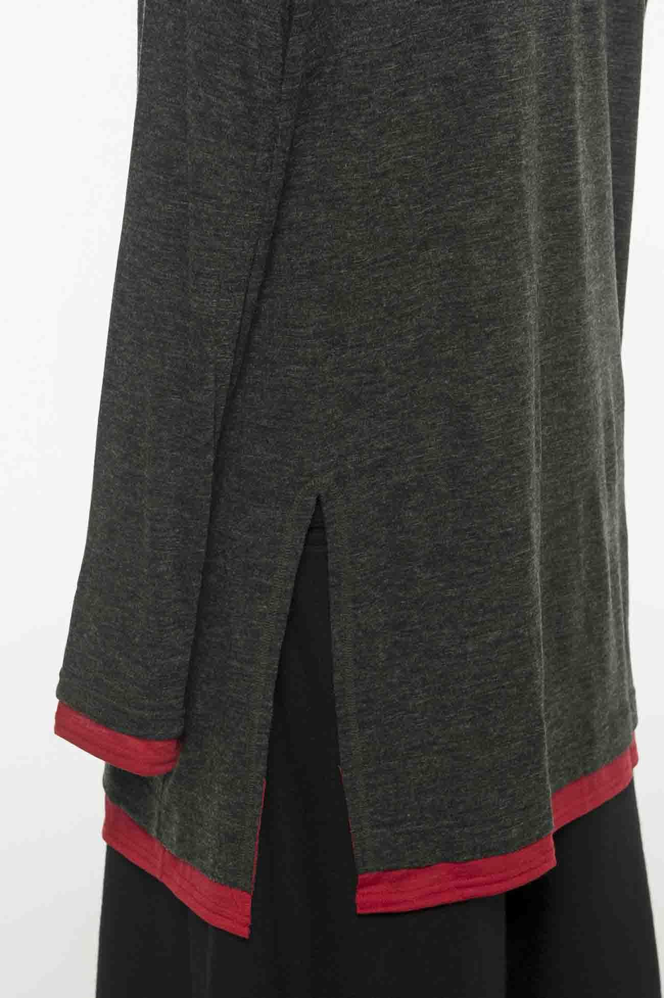 羊毛混纺双色拼接圆领上衣