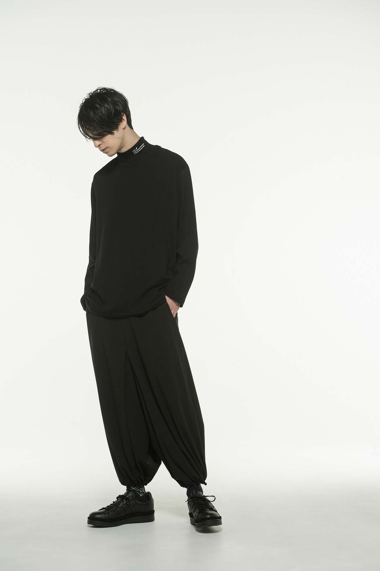 20/CottonJersey S'YTE Crow High Neck T-Shirt
