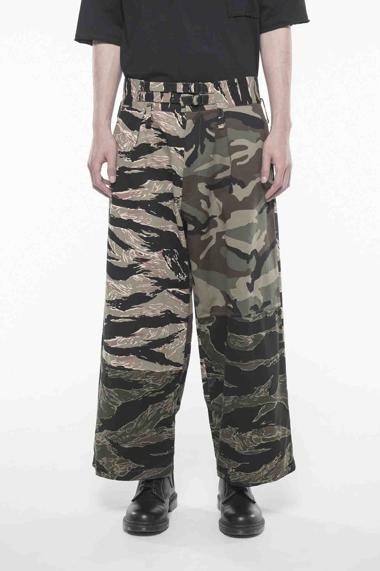 Crazy Camouflage One Tuck Waist Adjust Buggy Pants