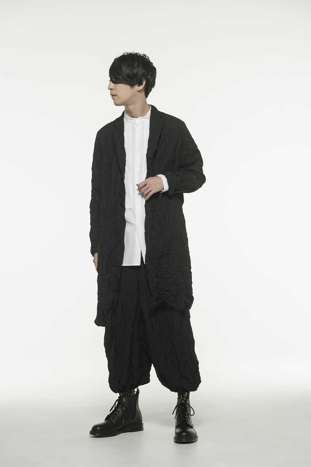 条纹褶皱和风袴灯笼裤