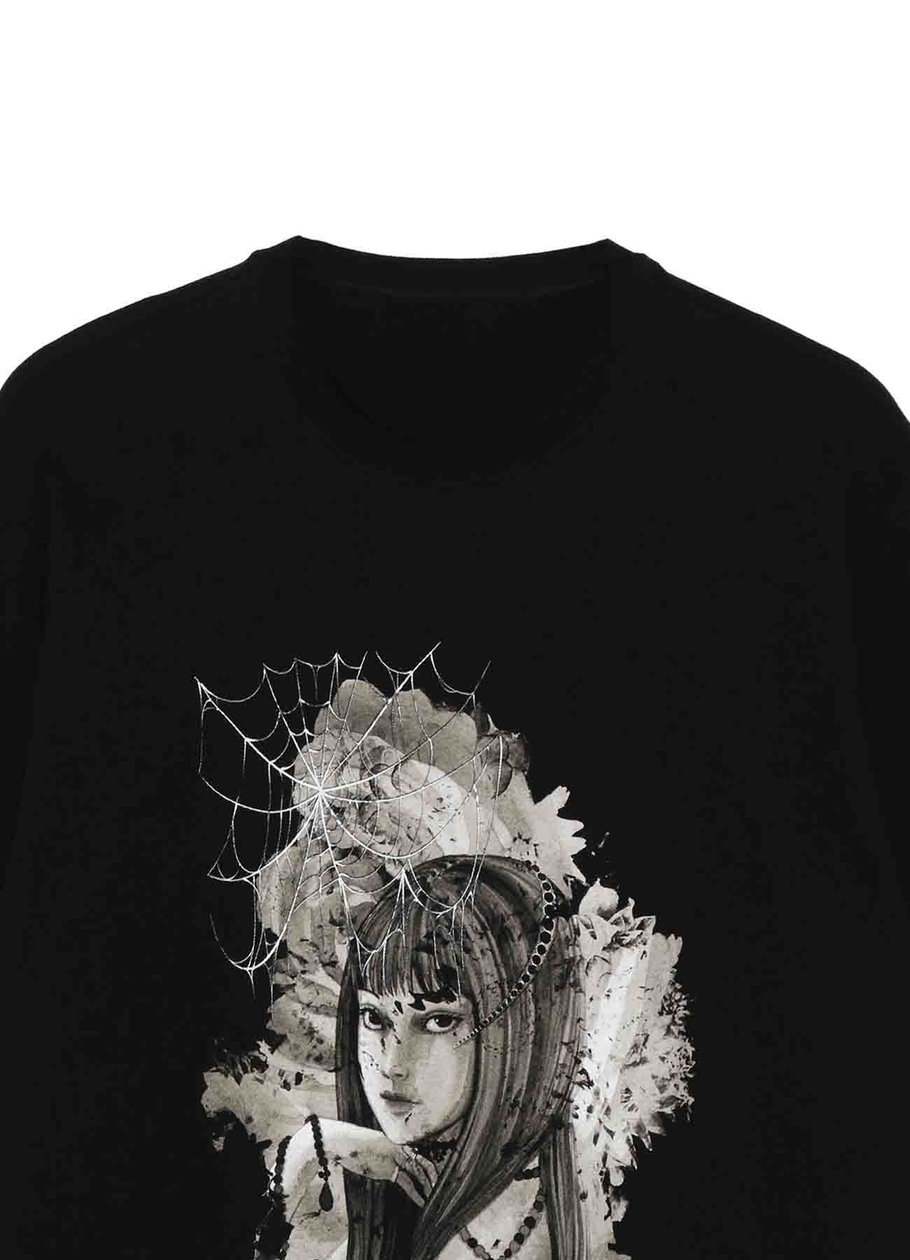 """""""Tomie"""" Flowers and Spider Web T-shirt"""