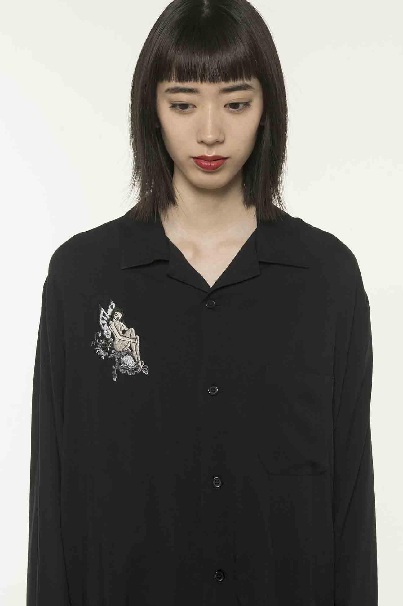妖精刺绣图案衬衫