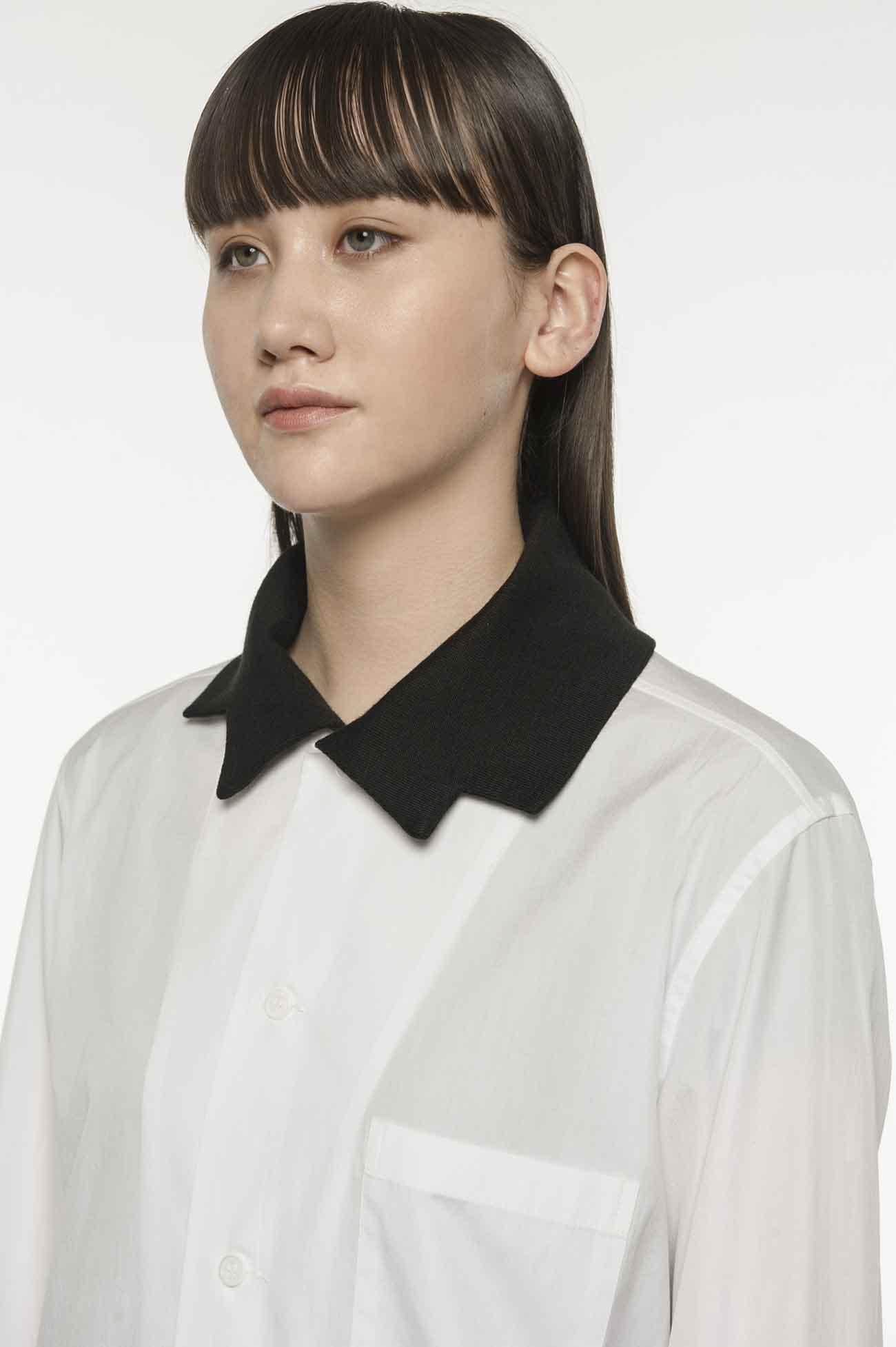 变化领口衬衫