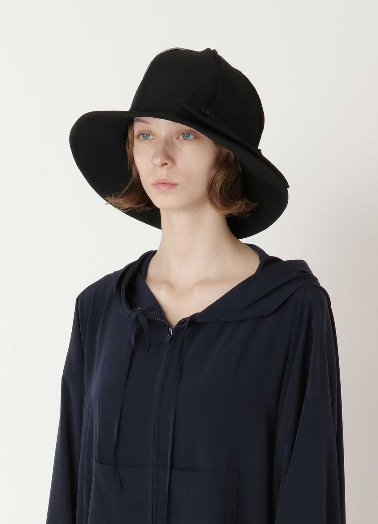 WOOL GABARDINE BUTTON CLOCHE