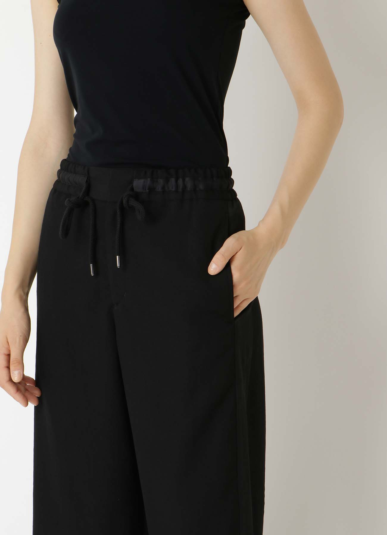 DRY-WASHER GABARDINE WAIST STRING PANTS