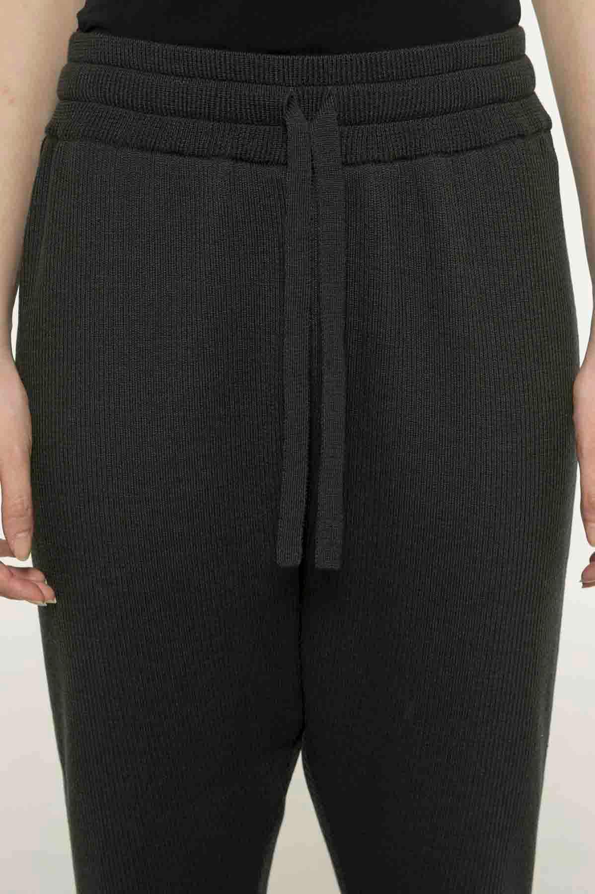 RISMATbyY这款精美羊毛侧面配色罗纹裤