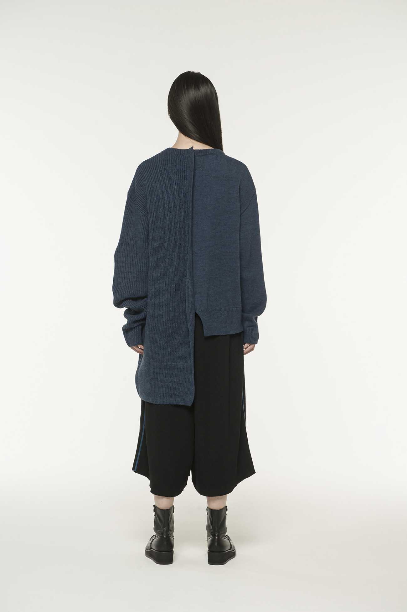 RISMATbyY的Tengu x Tsuen Hen针织中间开关套头衫