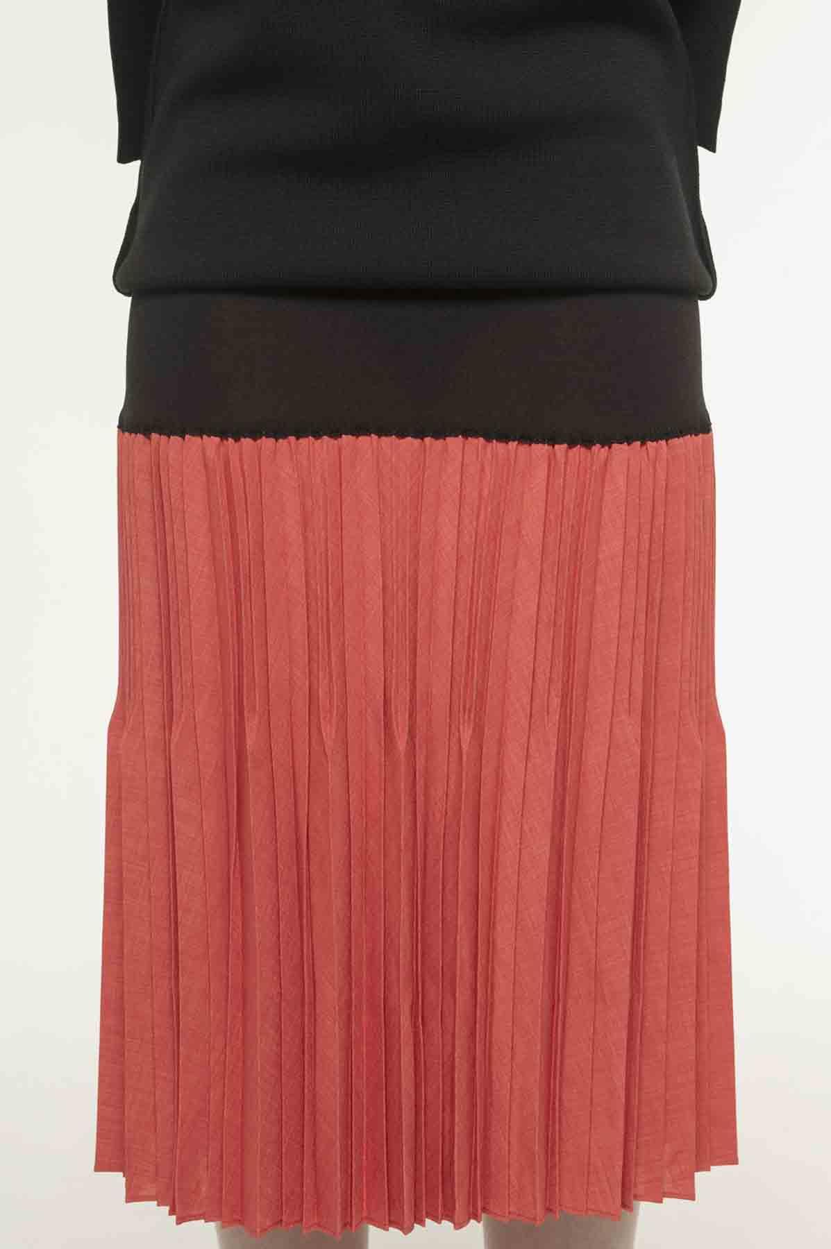 RISMATbyY的针织x褶皱后背开衩裙