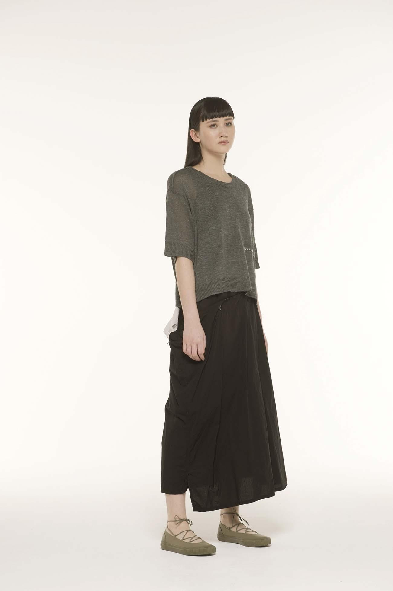 缝线装饰短袖短款四角针织衫