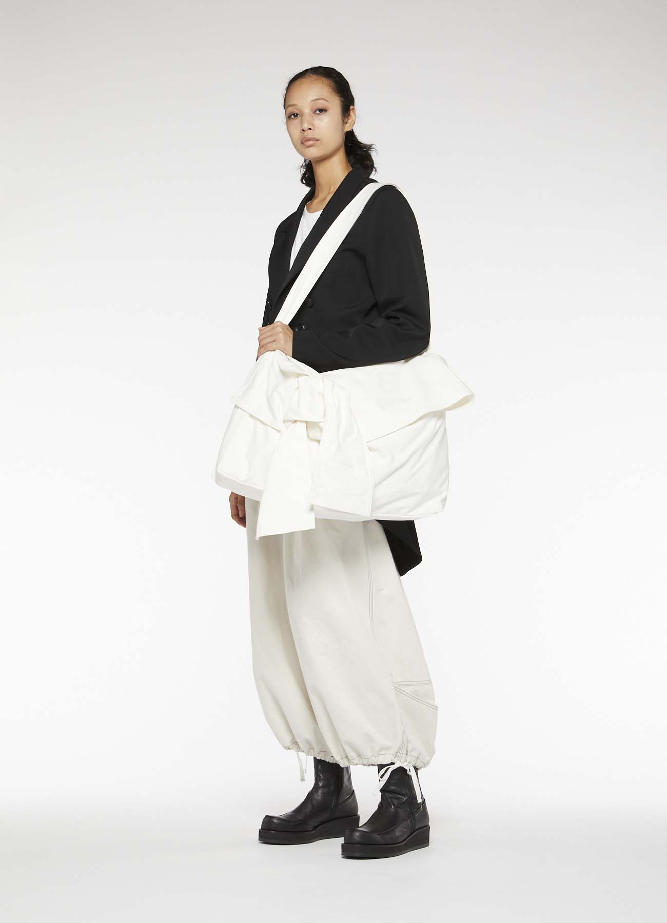 NO.11 CANVAS TIED BAG